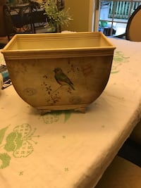 Metal container with birds Dillsburg, 17019