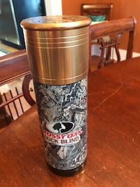 Never used in box Camo insulated thermos mossy oak duck blind