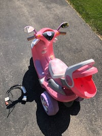 Pink motorized scooter for kids Brant, N3L 0B6