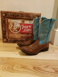 pair of brown-and-blue leather cowboy boots Wells, 04090