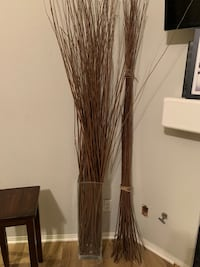 Decorative Branches and Vase (Home Decor) Los Angeles, 91602
