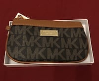 Black and gray michael kors monogram leather wristlet Toronto, M6N 4R1