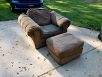 Oversized chair with ottoman  Warner Robins, 31093