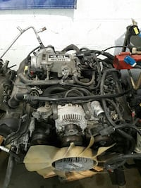 2005 mercury mountaineer used engine  Chantilly, 20152