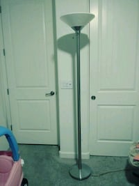 Pole lamp 6 feet tall Chandler, 85286