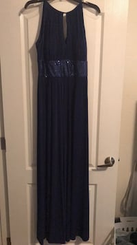 women's blue sleeveless dress