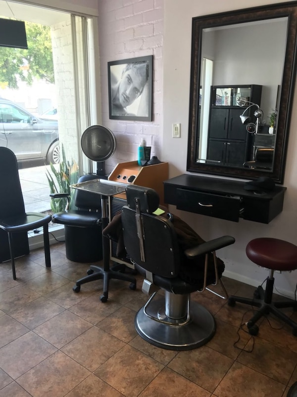Station for rent in Beauty Salon