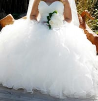 Wedding dress size 12-18 Barrie, L4N 5Z1