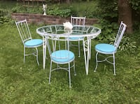 Vintage 1960's Hauser iron table and chairs  Kitchener, N2M 1L4
