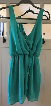 Women's green sleeveless dress  Fresno, 93720