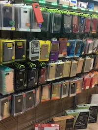 Assorted color iphone case lot Bridgeview, 60455