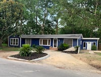RECENTLY REMODELED HUGE HOUSE 1 BLOCK FROM THE BEACH! Pascagoula