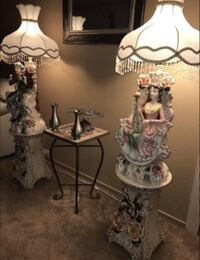 Set of 2 Italian ceramic lamps each with their own ceramic stand - 4 pieces