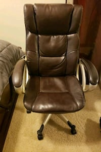 Leather computer chair 350lbs limit Baton Rouge, 70809