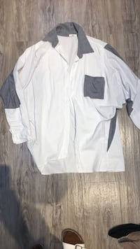 Boyfriend shirt one size fits all oversized so great with skinny's great condition