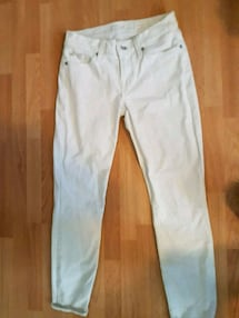 Bright clean white skinny jeans