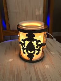 SCENTSY WAX WARMER Paris, N3L 2Y8