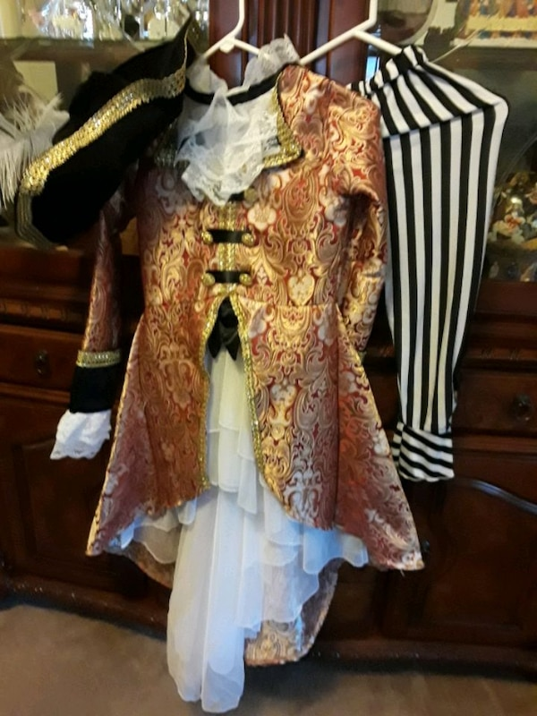 Pirate costumes for girls size 10 9f7549b4-79bf-43a0-8b60-59454a063d1a