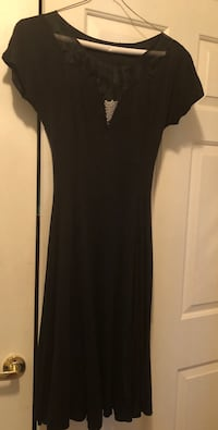 Cute party Black scoop-neck cap-sleeved dress