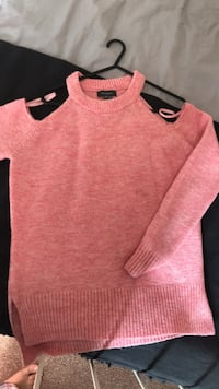 pink scoop neck cap sleeve shirt