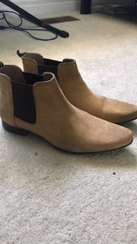 Tan suede Chelsea boot Vaughan, L6A 4A4