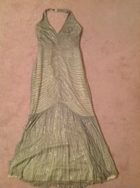Green maxi sweetheart bidding dress size M Richmond Hill, L4B 4E5