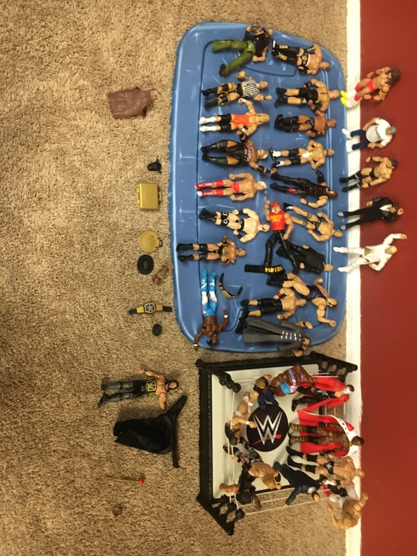 35 Wrestlers and a Ring with Belt and Brief Case fe989b7e-270a-4bc7-a7f1-716ce93b9b5b