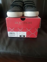 Brand new womens sketchers shoes