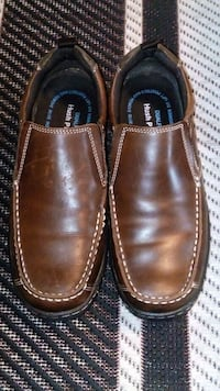 pair of black leather slip-on shoes London, N6H 4P3