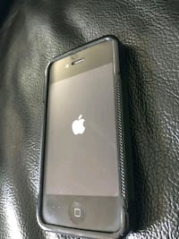 iPhone 4 great condition $85 OBO Palmdale, 93550