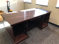 Solid wood office desk in great condition  Surrey, V4N 3W2