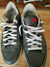 pair of gray-and-white low top sneakers Colton, 92324
