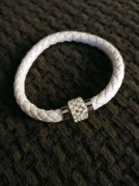 Bracelet, white leather Toronto, M3M 3G8