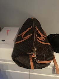Louis Vuitton duffle 100% Authentic more pics upon request  Vancouver, V6J 2S1