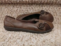New Women's Size 7 Shoes Thick Padding, Arch Suppo Woodbridge, 22193