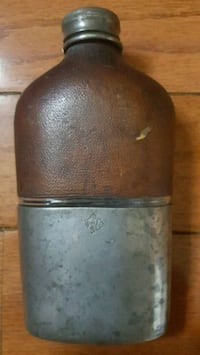 ReduceWhitall Tantum Vintage leather, pewter hip flask. Or best offer. Meriden, 06450