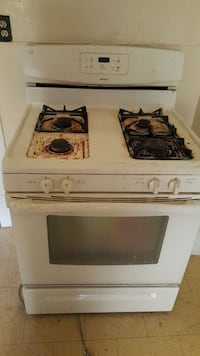 Gas stove missing one grate, needs cleaned