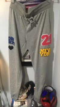 Comfy sweat pants size small (stretchy), never worn  Toronto, M9B 2N2