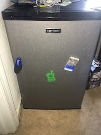 Mini fridge and freezer Chesapeake
