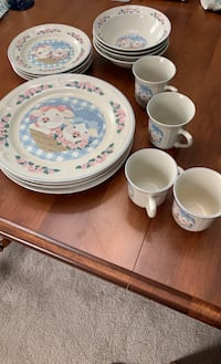Dish set for 4. Milltown, 08850