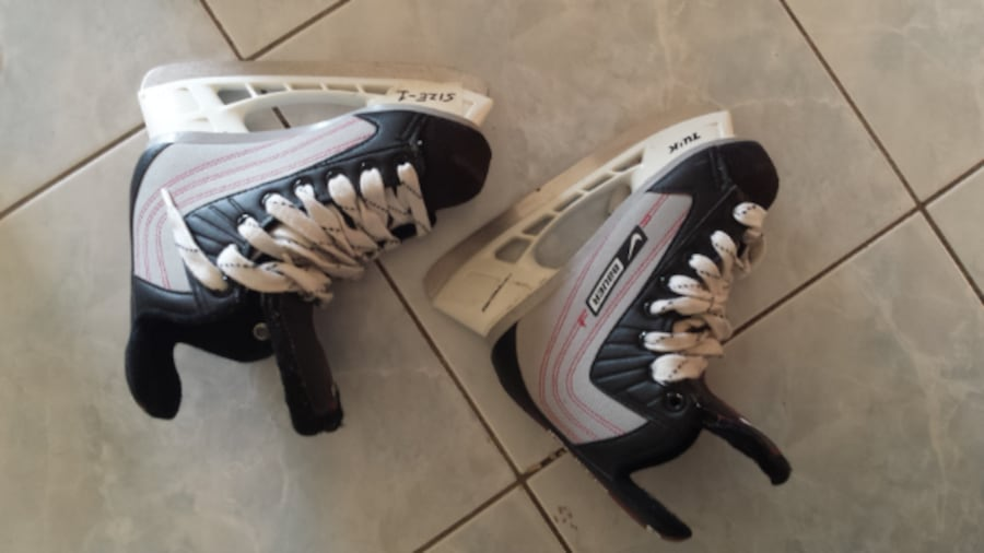 skates\helmets for 15-25$ each great condition and good brands ea2f22c6-e109-4fbb-9e13-08010d20ceca