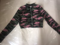 Black and pink camouflage zip-up jacket Toronto, M5A 0G8
