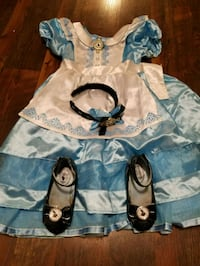 white and blue floral dress Steilacoom, 98388