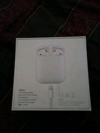 Apple airpods 1st gen with charging case