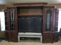 Large entertainment center Corona, 92879