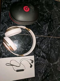 Beats studios 2 gold wireless and wireless Philip's headphones combo Mississauga, L5R 3G3