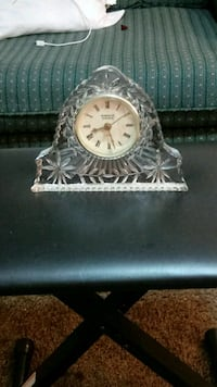 Glass table clock