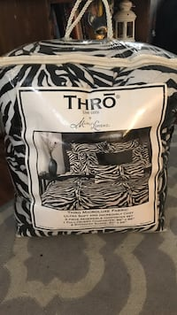 Black and white thro microluxe fabric bag Los Angeles, 90029