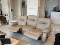 Tan leather 3-seat recliner. In very good condition Austin, 78731
