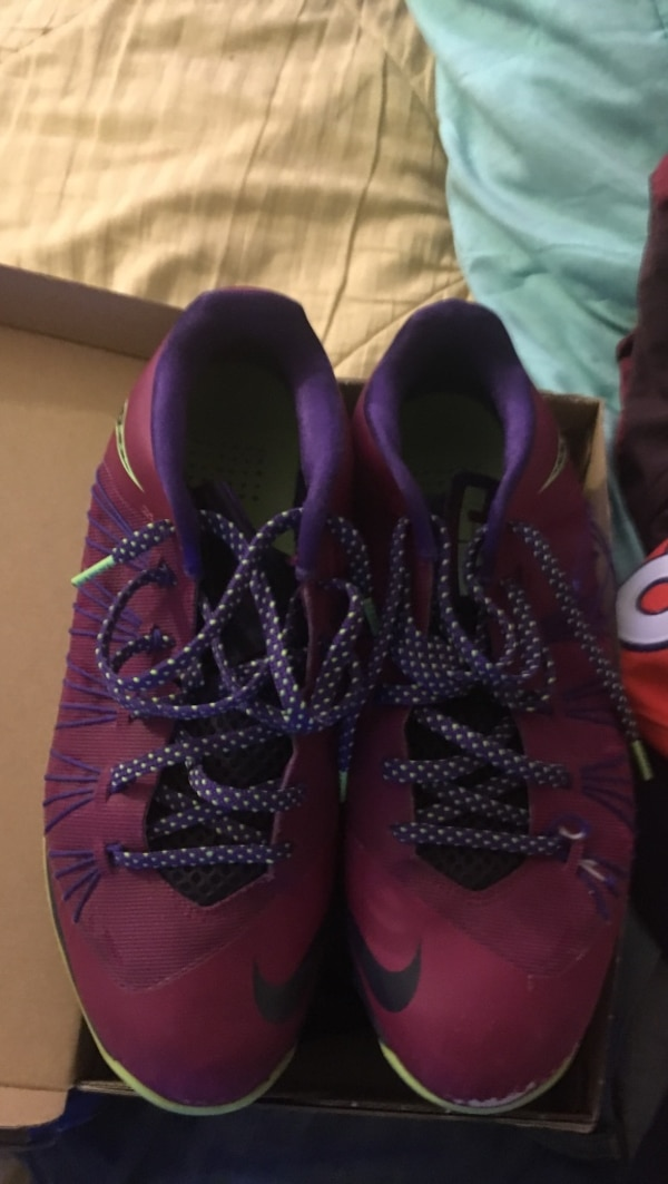0a71964acbbc Used Size 11 Lebron James basketball shoes maroon and green for sale in  Salisbury - letgo